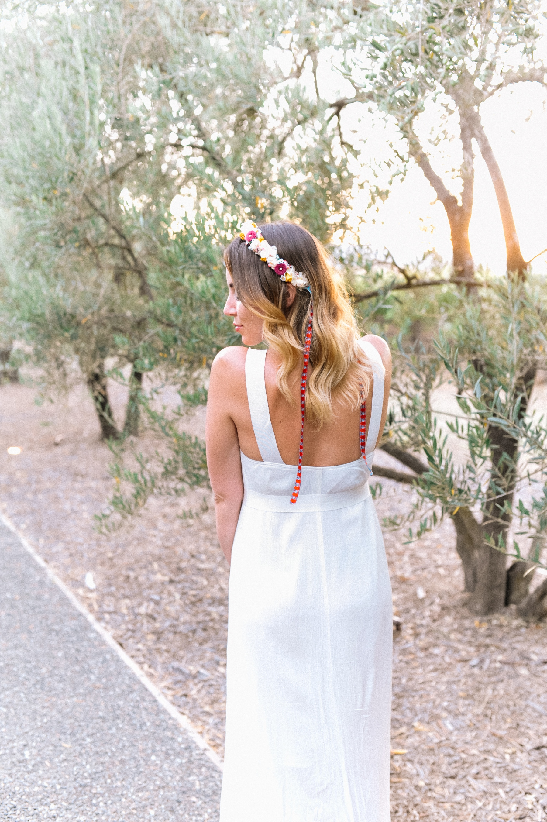 outfit-napa-valley-white-dress-we-are-flowergirls-crown-4