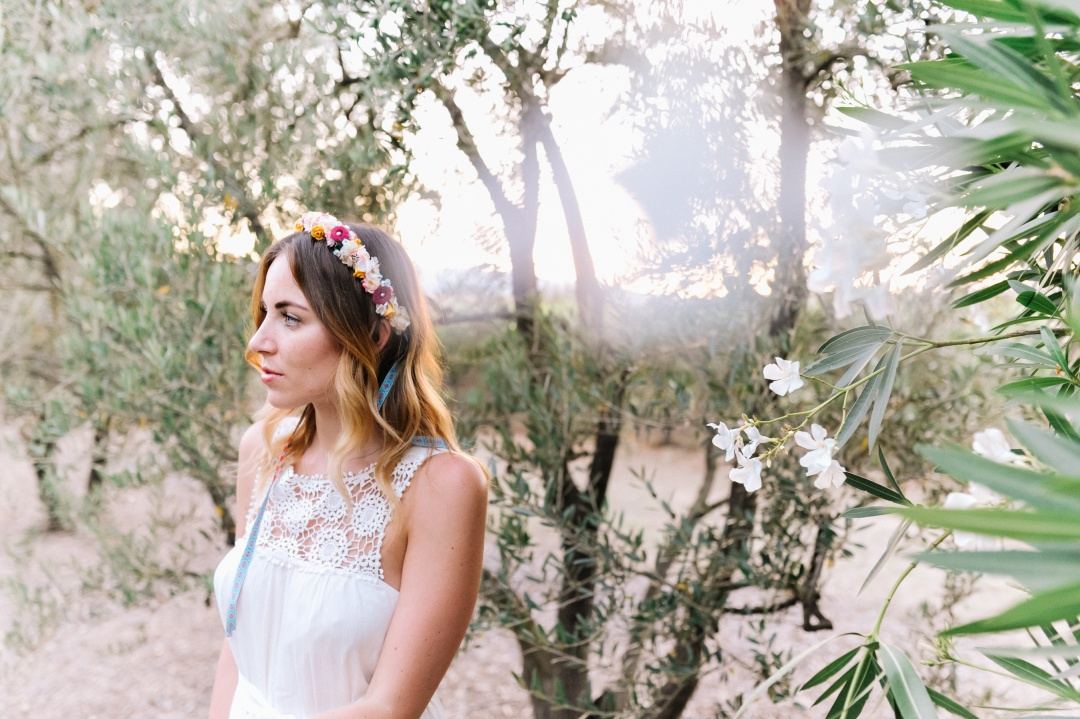 outfit-napa-valley-white-dress-we-are-flowergirls-crown-6